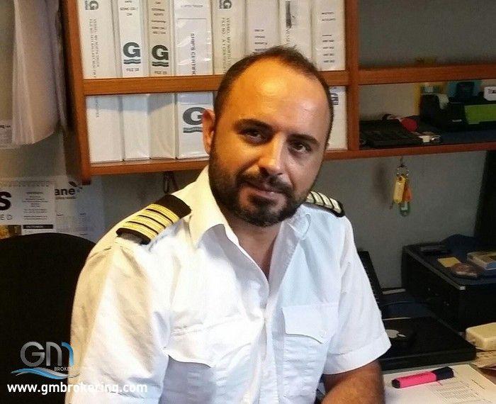 Annunci lavoro nautica comandante alessandro mirabile cerca impiego in italia e all 39 estero gm - Cerco lavoro piastrellista all estero ...
